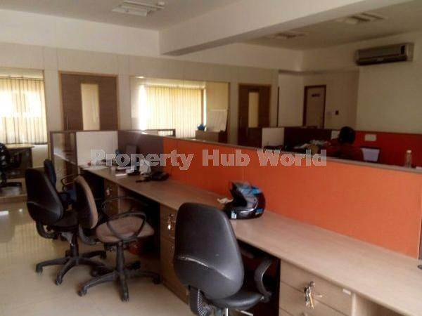 Commercial 300 sqft furnished  office on first floor in Rs 30,000 on rent