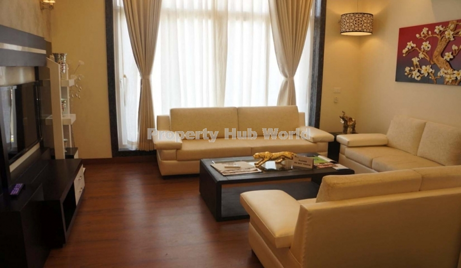 FULLY FURNISHED TRIPLEX FOR SELL